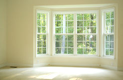 Open and bright room with bay window