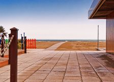 Open courtyard at a beachfront property Royalty Free Stock Images