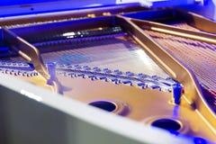 Open een piano, koorden Royalty-vrije Stock Afbeeldingen