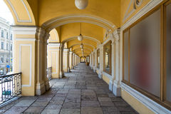 Open galerij van de eerste verdieping van Gostiny Dvor, St. Petersburg Royalty-vrije Stock Foto's