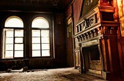Open haard bij oude ruïnes Stock Afbeeldingen