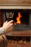 Open haard en wijn Royalty-vrije Stock Afbeeldingen