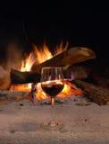 Open haard en wijn Royalty-vrije Stock Fotografie