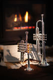 Open haard, trompet, muziek stock foto