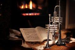 Open haard, trompet, muziek royalty-vrije stock afbeelding