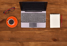 Open laptop on table Royalty Free Stock Photography