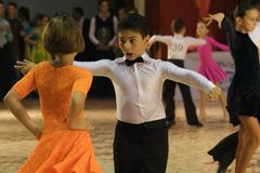 Open Latin Dance Contest, 6 - 9 years. Couple at the Romanian National Contest (Cupa Romaniei), Open Latin section, 6-9 years old. 25 Oct 2009, Timisoara Stock Photo