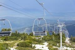 Open lift die tot de zeven rilskimeren leiden in Bulgarije, Rila-berg Stock Foto