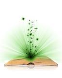 Open magisch boek royalty-vrije stock afbeeldingen