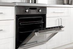 Open moderne gebouwde oven stock fotografie