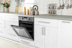 Open moderne gebouwde oven royalty-vrije stock fotografie