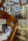 Open Moderne van het ontwerptreden van het luxe binnenlandse huis de trapvilla Stock Afbeelding