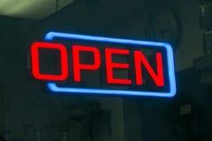 Open neonteken royalty-vrije stock foto's