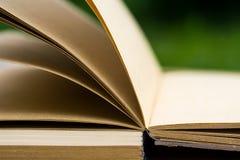 Open notaboek op een lijst Royalty-vrije Stock Fotografie
