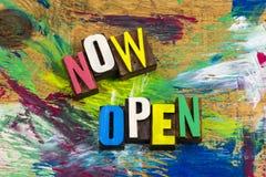 Open nu voor bedrijfs detailhandel Royalty-vrije Stock Foto