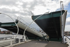 Open ophaalbrug, Zaanse Schans, Nederland royalty-vrije stock afbeelding