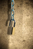 Open padlock and chain Royalty Free Stock Photos