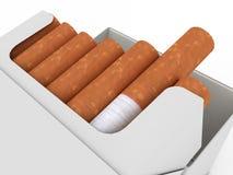 Open pak sigaretten die op wit worden geïsoleerd¯ Royalty-vrije Stock Afbeeldingen