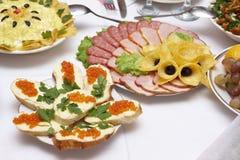 Open sandwiches en fijne vleeswaren stock foto