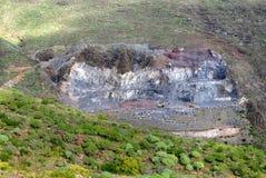 Open steengroeve in berg Stock Afbeelding