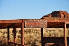 Open teken op de verlaten winkel van Navajo royalty-vrije stock fotografie