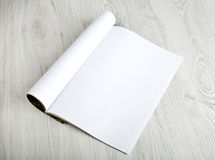 Open tijdschrift met blanco pagina's Stock Foto