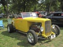 open tweepersoonsauto van de Doorwaadbare plaats van 1932 de gele Stock Fotografie