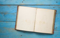 Open uitstekend boek stock afbeelding