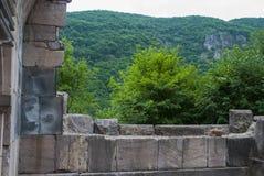 Open venster van Vahanavank klooster complexe Dichtbijgelegen Kapan, Syunik-Provincie van Republiek Armenië royalty-vrije stock afbeeldingen