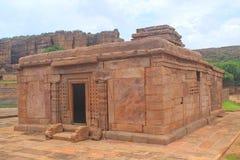 Open versah indischen hindischen Tempel, Badami mit einem Gatter Stockbilder