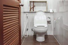Open voor toilet royalty-vrije stock afbeeldingen