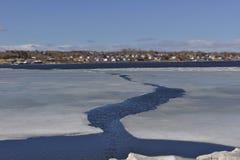 Open water in haven stock foto's
