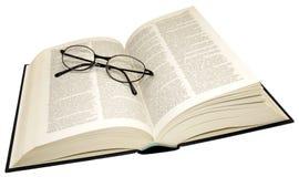 Open Woordenboek en Lezingsglazen Stock Fotografie
