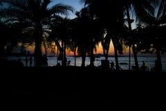 13 11 2014 - Openbaar strand en de toevluchtstad van Pattaya, Thaila Royalty-vrije Stock Afbeeldingen