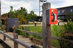 Openbaar telefoon dubbel systeem in Thailand, kaart en muntstuk Royalty-vrije Stock Foto's