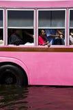 Openbare bus en passagier in vloed Royalty-vrije Stock Fotografie