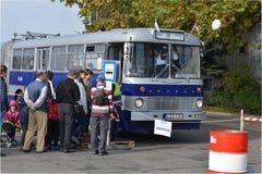 Openbare Open Dag op de garage Cinkota VI van de 40 éénjarigenbus Stock Foto