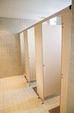 Openbare toiletten met deuren Royalty-vrije Stock Afbeelding