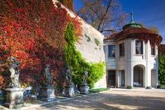 Openbare Tuin van Paradijs in Praag in Tsjechische Republiek royalty-vrije stock foto