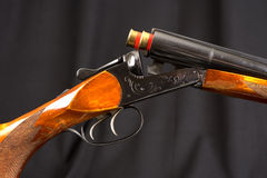 Opened double-barreled hunting gun Royalty Free Stock Images