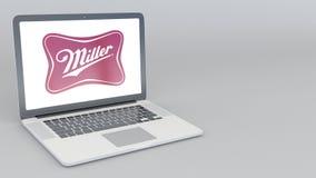 Openings en sluitende laptop met Miller Brewing Company-embleem 4K redactieanimatie royalty-vrije illustratie