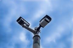 Openlucht de veiligheidscamera van kabeltelevisie Stock Afbeeldingen