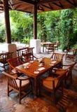 Openlucht het dineren restaurant, aardomgeving stock fotografie