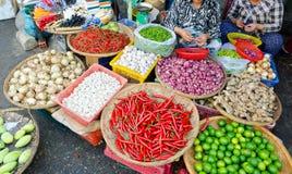 De markt van het voedsel in Vietnam Royalty-vrije Stock Afbeeldingen