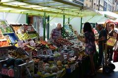 Openlucht marktscène Stock Fotografie