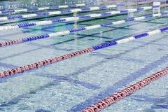 Openlucht Olympische Pool Stock Afbeelding