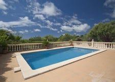 Openlucht pool en terras Royalty-vrije Stock Fotografie