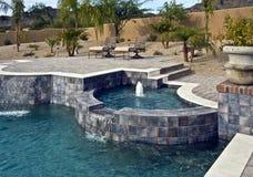 Openlucht pool met kuuroord en fontein Stock Foto
