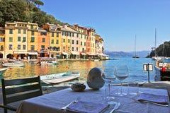 Openlucht restaurant in Portofino. royalty-vrije stock foto