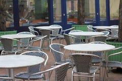 Openlucht restaurantplaatsing Stock Afbeelding